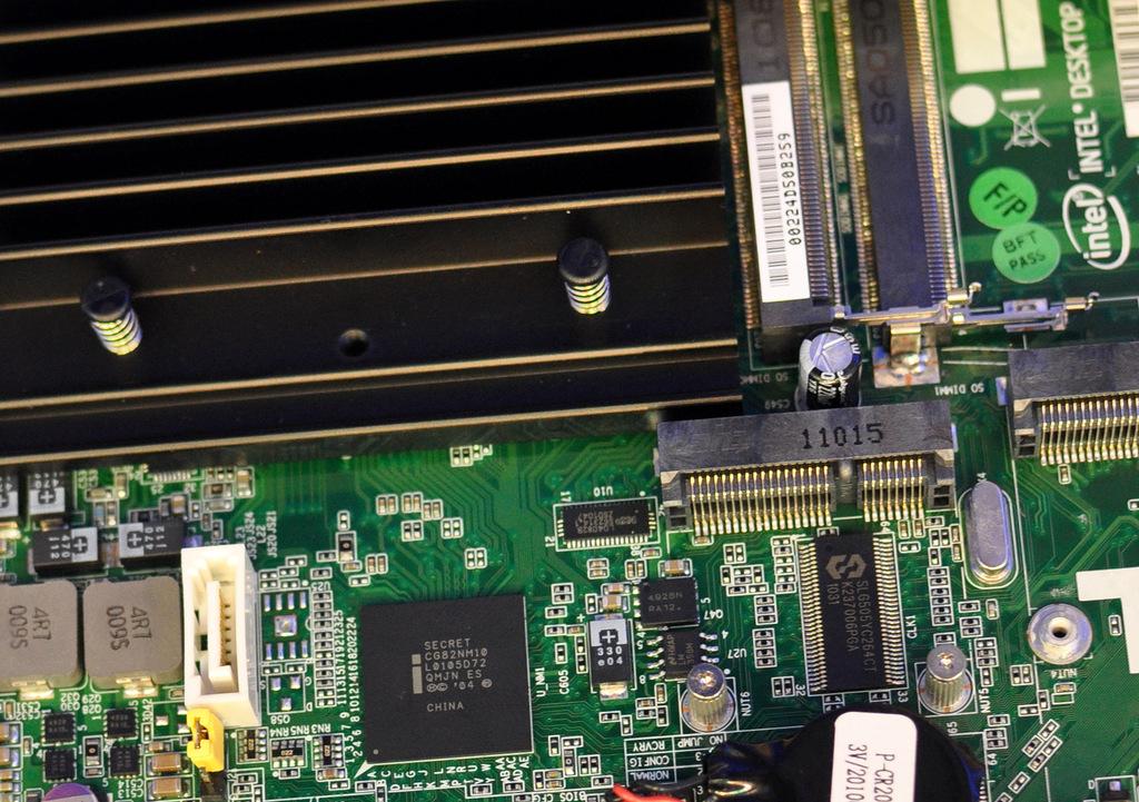 Intel Atom D2700 - Cedar Trail with less-than-anticipated capabilities